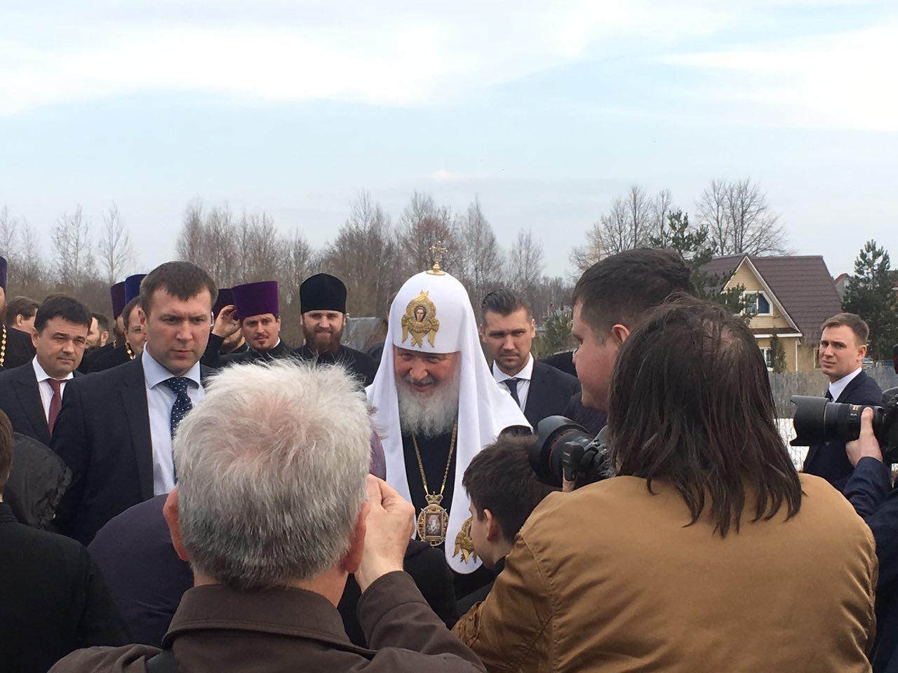 Патриарх Кирилл посетил храмовый комплекс вГагине
